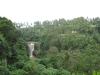 ein Wasserfall, zu dem 128234385945 Stufen von ca. 50cm Höhe hinabführen. Und das kurz nach dem Regen bei 500% Luftfeuchtigkeit! ;)