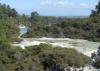 das Gebiet von oben, im Hintergrund das Geothermalkraftwerk