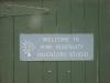 Das haengt an einem der Bootshaeuser - Willkommen im Kiwi Genialitaets Entwicklungs- Studio